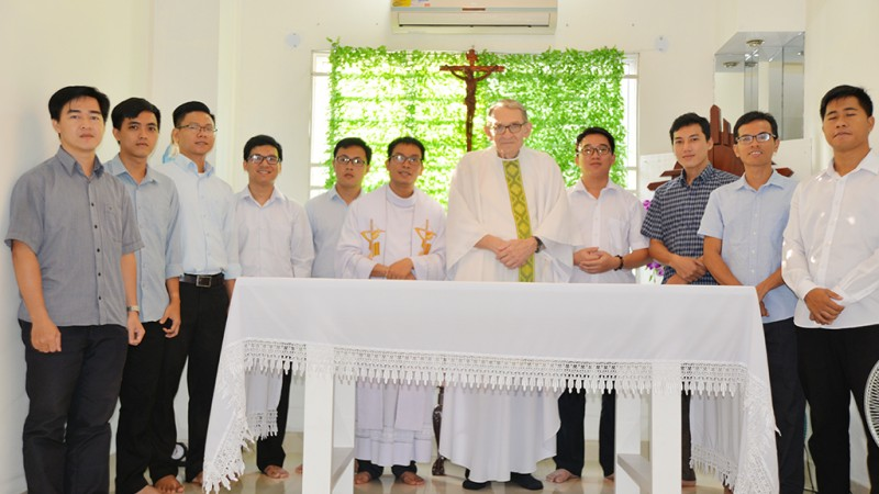A Visit of Former Servant General Father Peter to our Postulant House