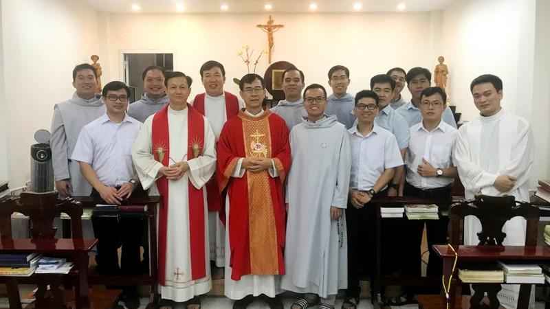 Mừng Lễ Bổn Mạng Dòng và Lãnh Nhận Tác Vụ Đọc Sách Giúp Lễ